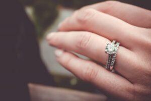 Cum-se-alege-inelul-de-logodna-perfect
