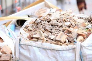 De-ce-reciclarea-materialelor-de-construcție-este-importanta-pentru-afacerea-dumneavoastra